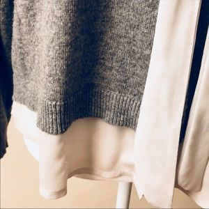 Sweaters - 2/12$ 🌈gray and chiffon sweater with tie
